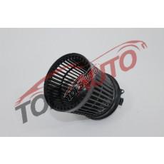 Мотор вентилятора печки 272261KA0A
